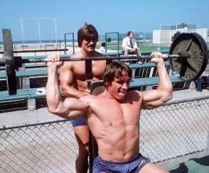 Арнольд Шварценеггер. Тренировка плеч