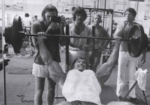 Арнольд Шварценеггер. Тренировка груди